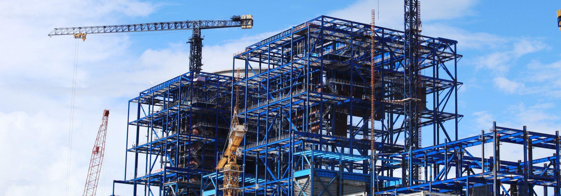 bouwplaats met gietwerk componenten van ELCEE uit de bouwnijverheid panorama afbeelding