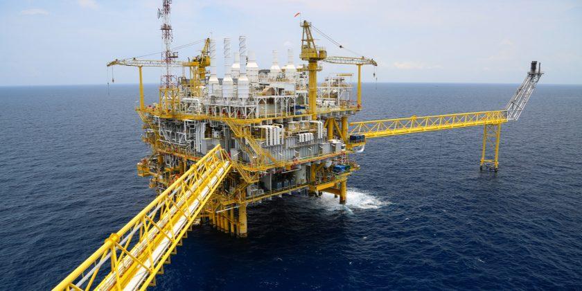 Offshore booreiland op de oceaan met gietwerk componenten van ELCEE