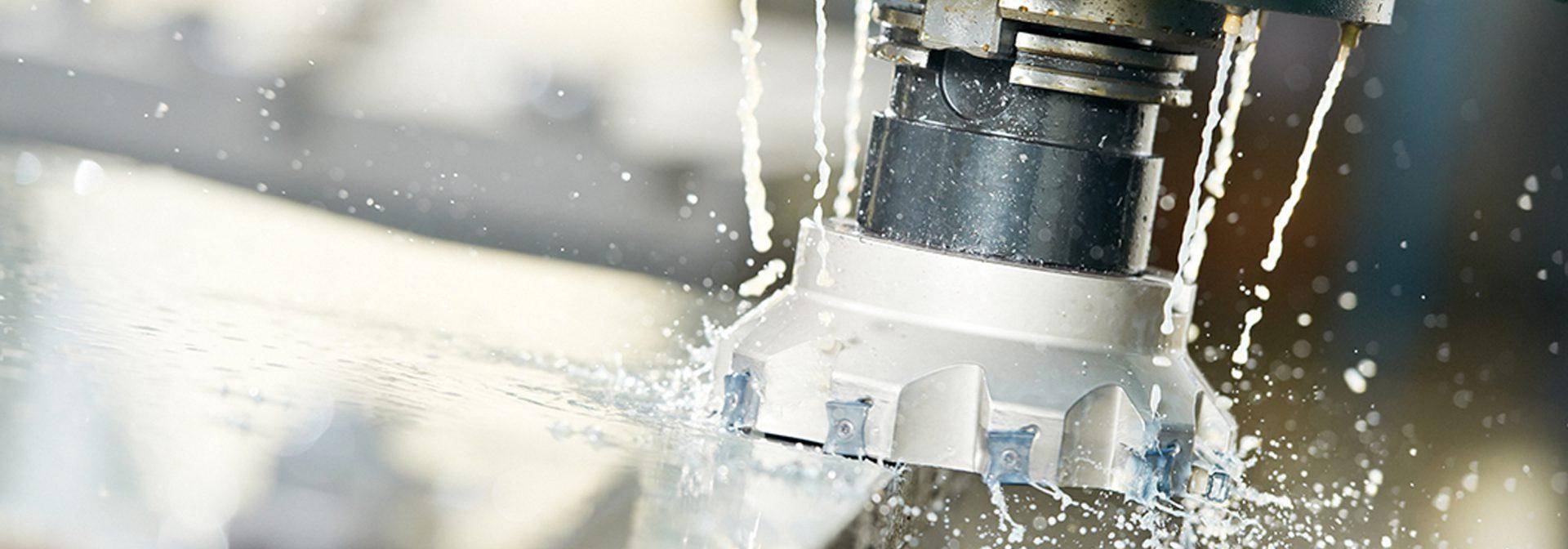 In onze eigen werkplaats bewerken wij gietstukken die klaar zijn voor montage, middels CNC-bewerking door ELCEE